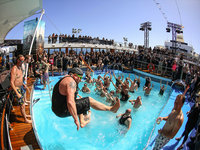 Mein Schiff 2 - Full Metal Cruise - Pool Party