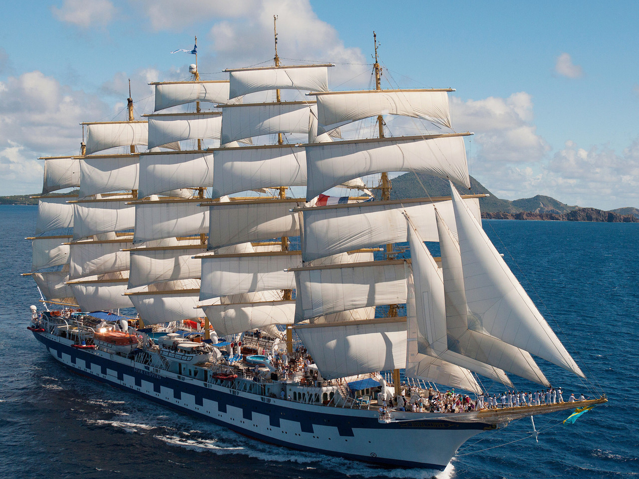 https://www.oceando.de/img/kreuzfahrtschiff/large/royal-clipper_203_3530.jpg