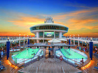 Adventure of the Seas - Pooldeck