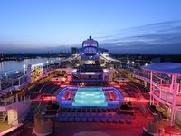 Anthem of the Seas - PoolDeck bei Nacht