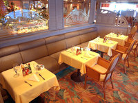 Caribbean Princess - Cafe-horizon court