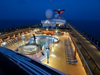 Carnival Miracle - Sirens Pool