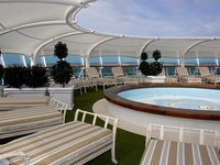Dawn Princess - Pool Deck