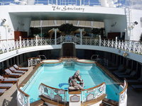 Golden Princess - Pool Deck