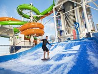 Independence of the Seas - Wasserpark H2O Zone -Flowrider