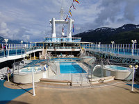 Island Princess - Pool an Deck