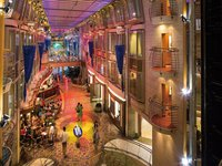 Mariner of the Seas - Promenade Cafe