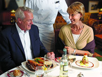 Nautica - Dinner ©Oceania Cruises