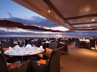 Nautica - Terrace Cafe Patio ©Oceania Cruises