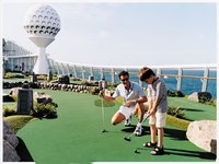 Navigator of the Seas - Minigolf