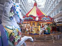 Oasis of the Seas - Carousel Boardwalk