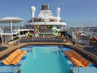 Ovation of the Seas - Pool Deck ©Royal Caribbean International