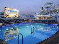Quantum of the Seas - Pooldeck