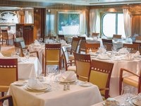 Queen Mary 2 - Britannia Restaurant
