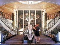 Riviera - Grand Staircase ©Oceania Cruises