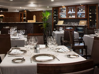 Riviera - Tuscan Steak Restaurant ©Oceania Cruises