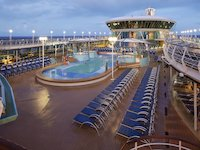 Vision of the Seas - Pooldeck