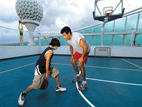 Voyager of the Seas - Sportplatz Hoops Court