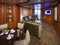 Celebrity Summit - Royal Suite Wohnbereich