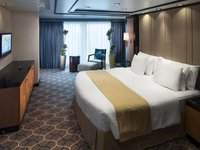 Independence of the Seas - Royal Suite Bedroom