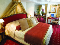 Nautica - Owner Suite ©Oceania Cruises